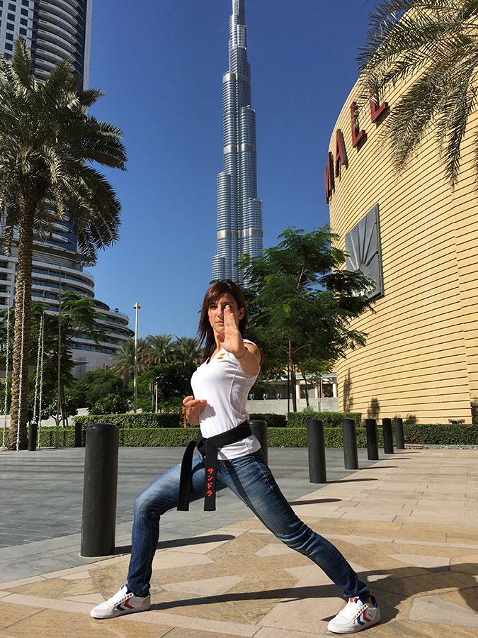 Sandra Sánchez en Dubái como profesora